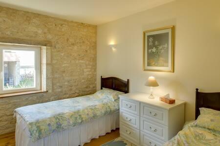 Charente Bed & Breakfast, Twin Room - Bernac - Bed & Breakfast