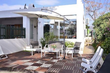 Ap. IZAILA II con piscina-calefacción y WIFI - Tarragona