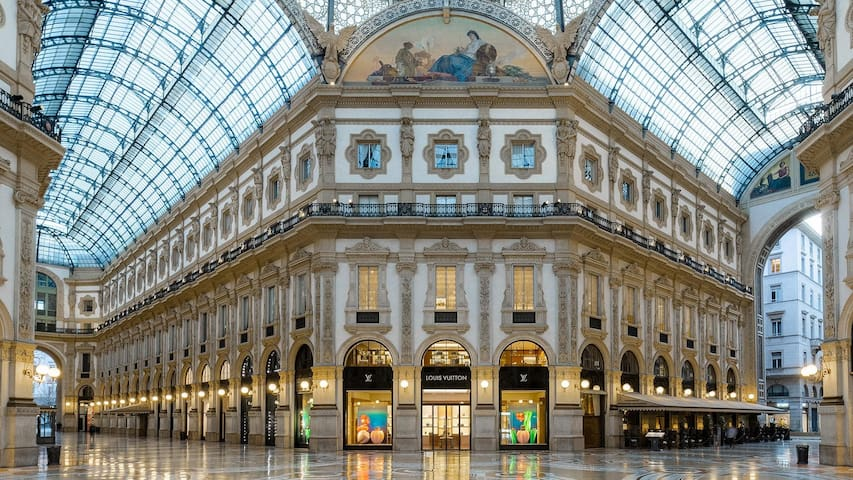 Guidebook for Milano