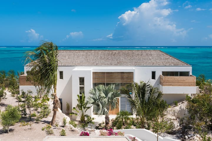 Beach Enclave Beachfront Villa 4 - 4 Bedroom