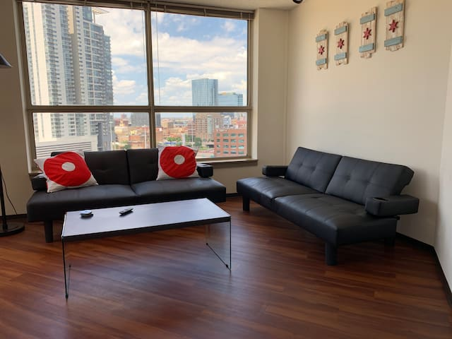 Enjoy a great view of Chicago with wifi and smart tv from the comfort of your front room