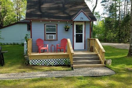 Corner Cabin, Romantic Getaway ;)