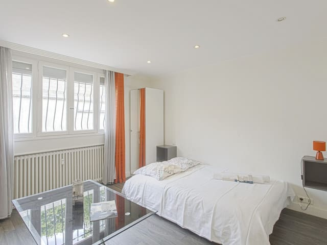 Charming studio 15 min from Paris center and 5 min from the metro - Welkeys