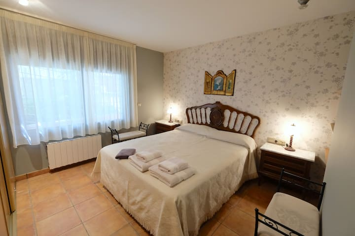 Dormitorio A, cama doble