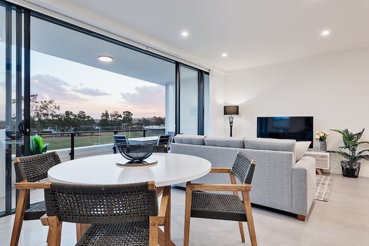New Mooloolaba luxury getaway steps from the beach