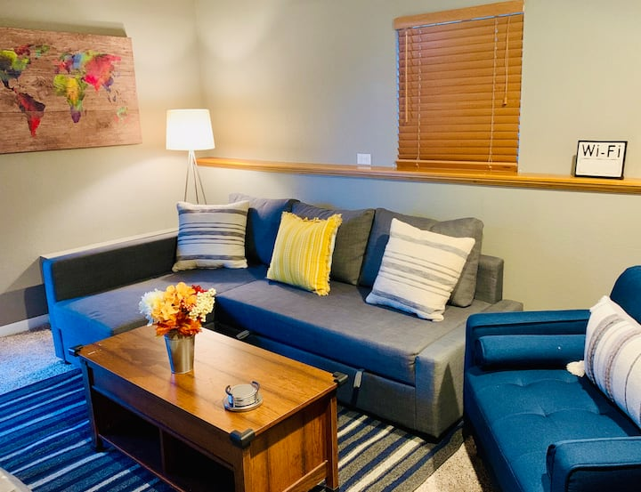 Private One-Bedroom Suite just 15 min. from Denver