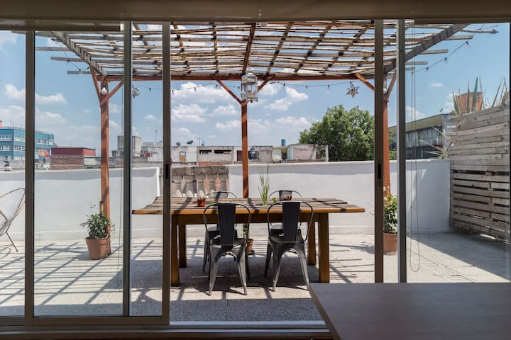 Rooftop boho chic apt in hippest area in CDMX