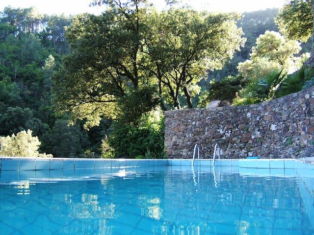Gîte de charme avec piscine - Mialet - Hus