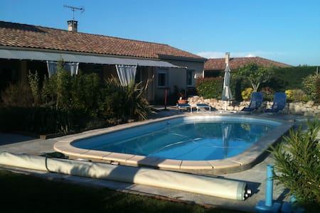 VILLA T4 AVEC PISCINE - Sainte-Foy-d'Aigrefeuille