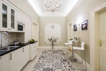 Common area with the kitchen