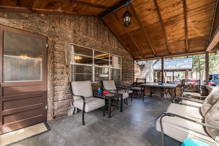 Ponderosa Cabins 104 N Laurel cabin 11