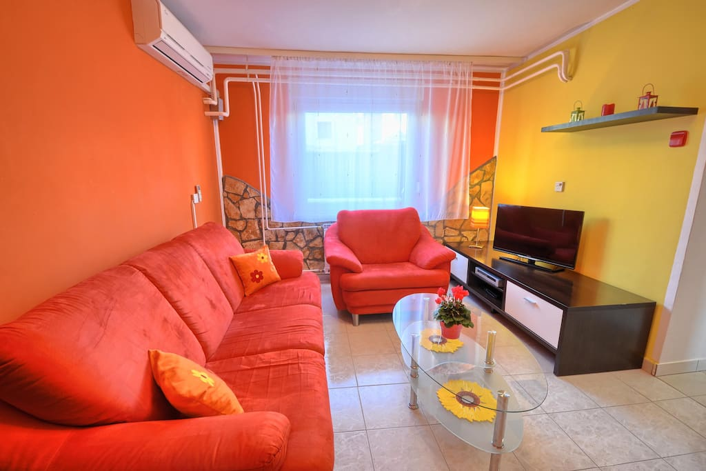 Living room, airconditioned, flat screen TV