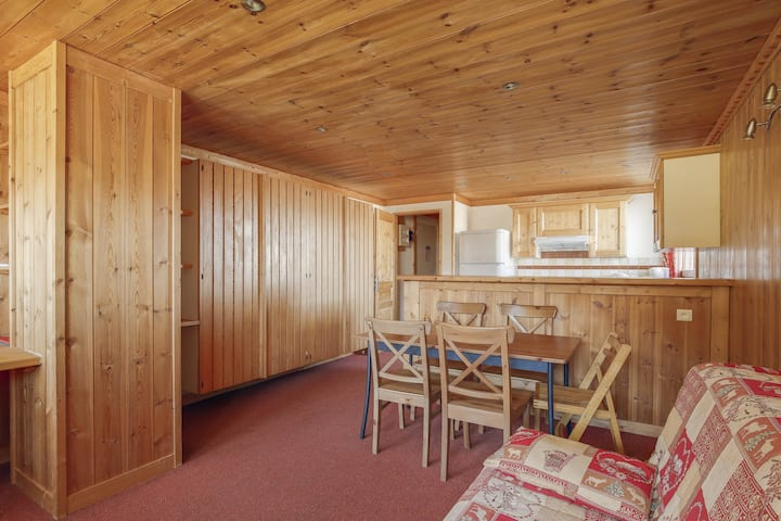 Spacious and beautiful studio with cabin in Arc 1600 ski in ski out and close to shops