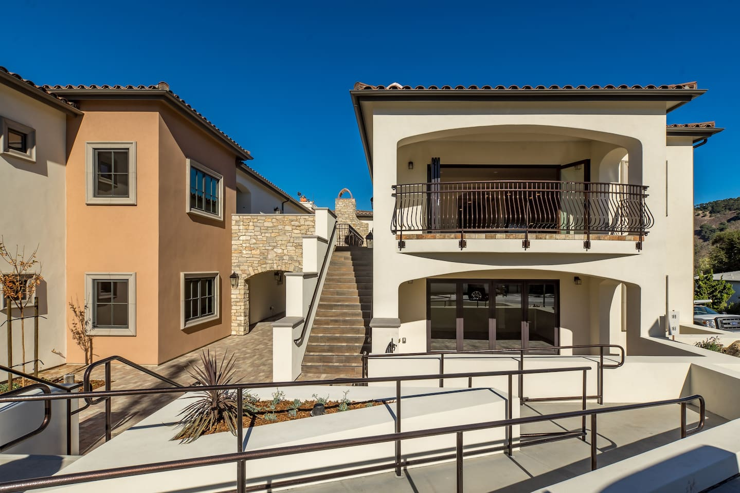 Avila Villa is the upper right villa. The luxury villa is single-level unit, located on the second floor boasting Avila Beach views. Elevator is available from the underground parking garage to the unit.