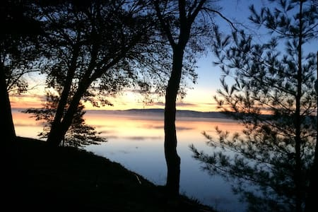 Views~Location~Amenities~Charm~Sleeps 8 Nicely - Bear Lake