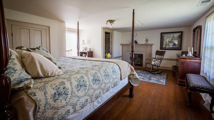 South Suite at the Pruitt House Inn