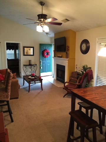 Clean and Cozy Home - Wifi included - Nashville - Hus
