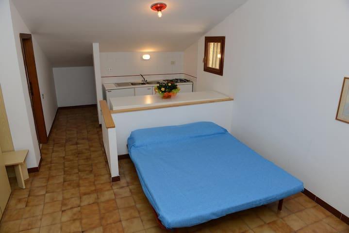 Monolocale basic B - La Maddalena - Appartement
