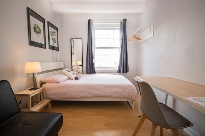 HS3-1 10% OFF Long stay | Double Room Brick Lane