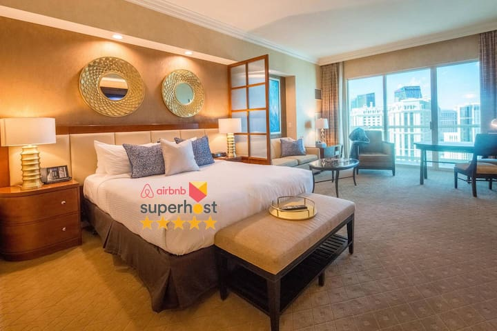 NO RESORT FEE★ Balcony StripView Suite ★FREE VALET