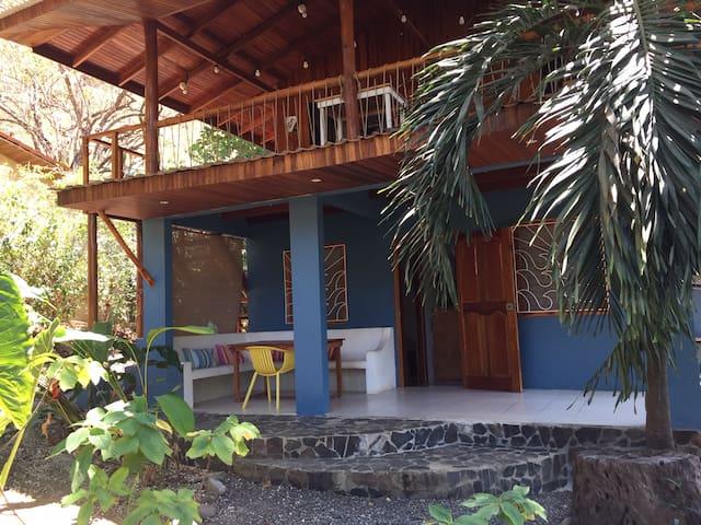 Room I (w/ garden, central, AC, highspeed WiFi)
