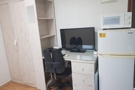7호선 보라매역 3분 풀옵션 원룸 - 1층 6평 106호