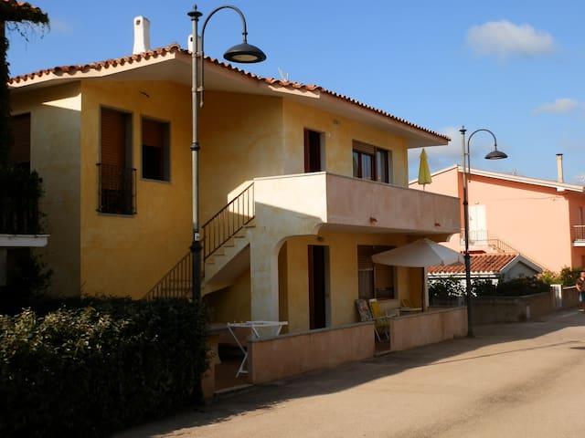 Bei 10 Meter vom Strand entfernt - Vignola Mare - Apartamento