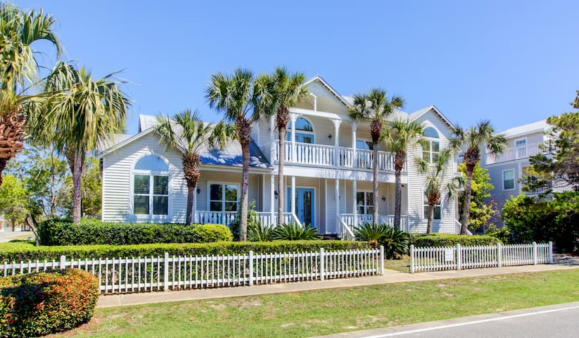 Gorgeous Stingray Shack in Crystal Beach!