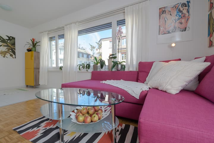 Precious apartment by the lake in central Zurich