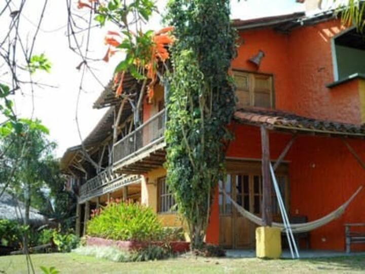 Cerca a Panaca y a Quimbaya Suite con Jacuzzy