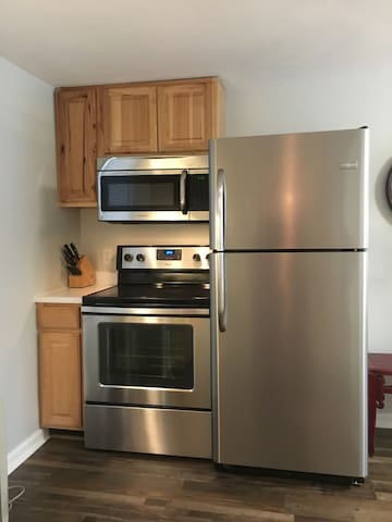 Full-size Refrigerator, Stove, and Microwave