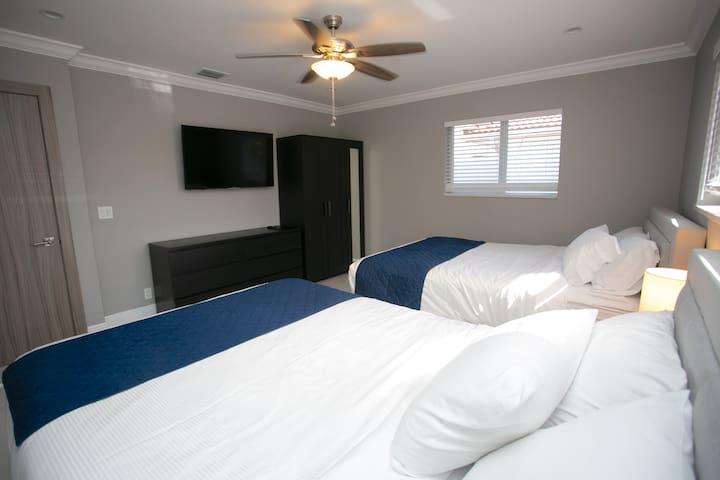 Bedroom #4- 2 Queen Beds