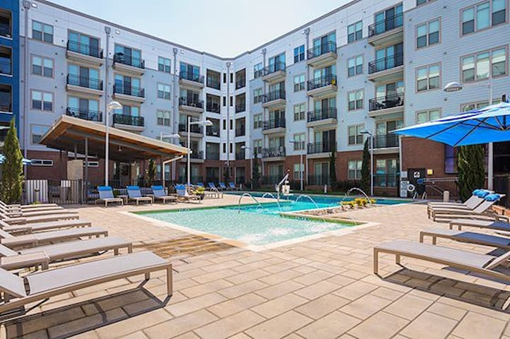 Luxury 1BR | Downtown Durham | 5min Drive Duke