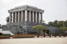 Ho Chi Minh 's Mausoleum is 12 min away by car, 25 min by bus, 30 min by walking
