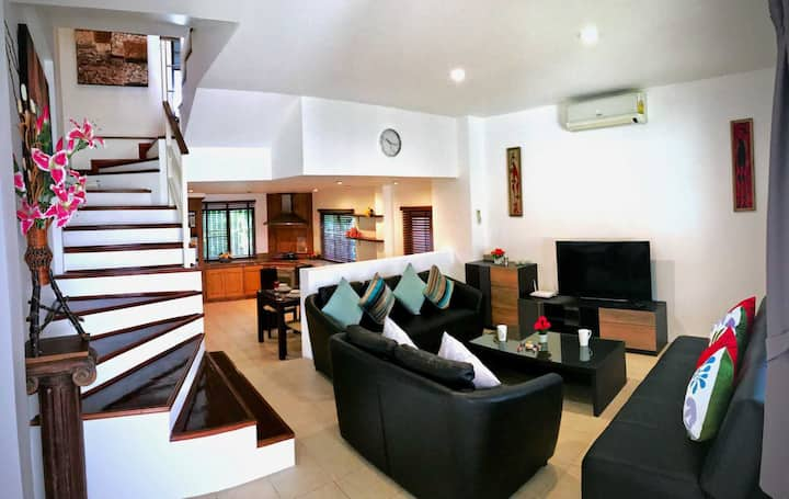Cozy 2 Bedrooms Townhouse near Patong Beach