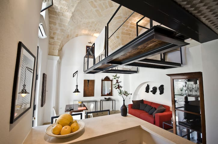 Romantic loft- near the Sea, perfect retreat