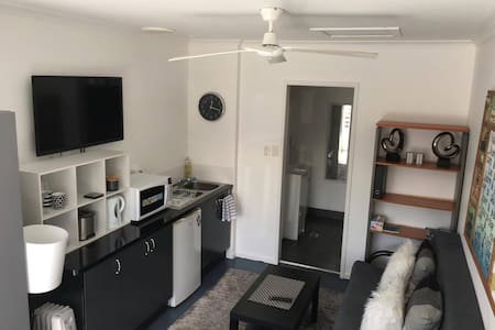 Private Studio close to Byron Bay!! - Suffolk Park - Wohnung