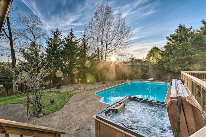 NEW! Lakefront Hot Springs Home w/ Hot Tub & Pool!