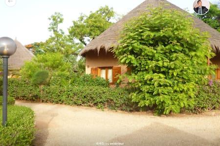 Superbe Villa,résidence bord de mer - Saly - Villa