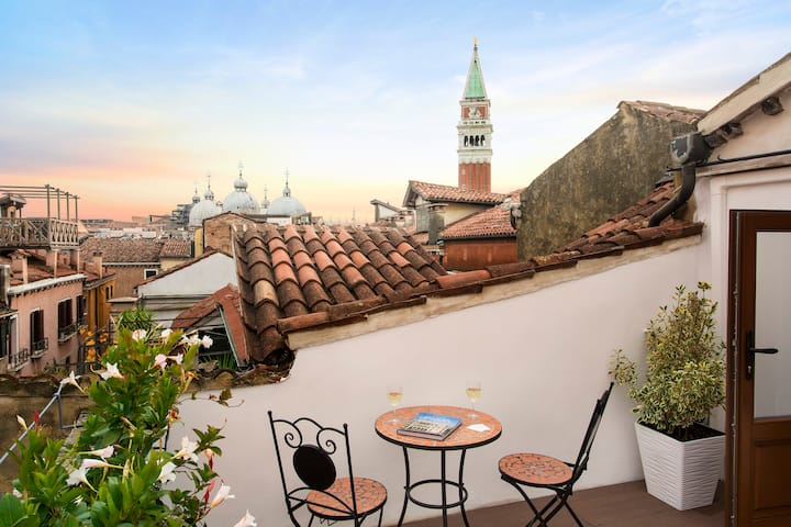 Suite Romantic with Terrace - San Marco view!
