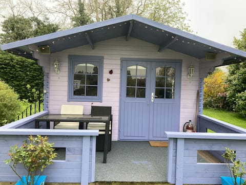 Summerhouse , escape to Herefordshire, see reviews