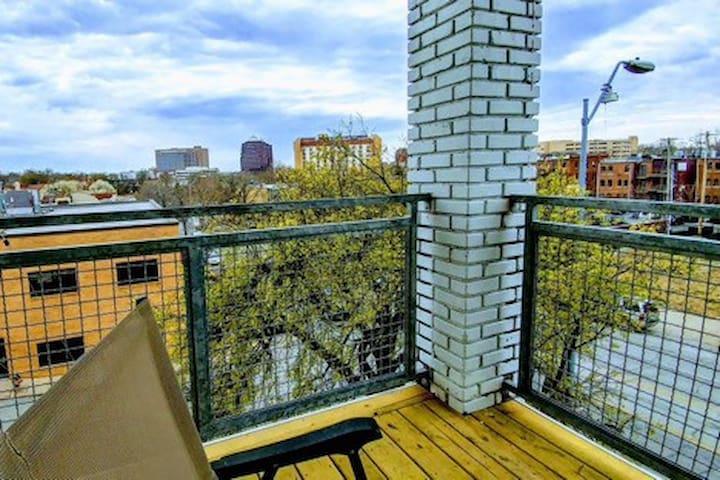 BOHO City Lofts / Music Every Night + Balcony