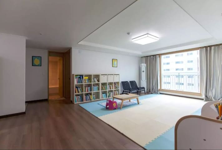 [Room rent] with cozy&great view of Sea and Mt. - Seoho-dong, Seogwipo-si - Apartment