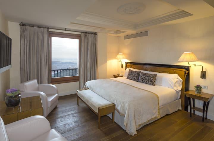 Habitacion Deluxe con vistas maravillosas sobre Barcelona y el mar