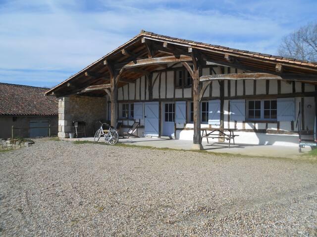 Gîte de charme de La Pierre - Bazas - Casa