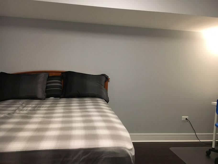 Full Bed, Closet, Hangers, Chest