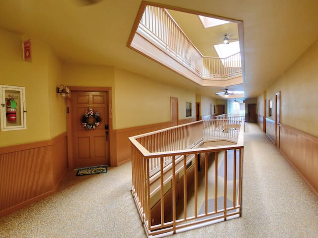 Condo on the Comal River! Walking Distance to Schlitterbahn and Downtown! - Inverness 206