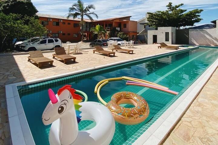 Pousada em Garopaba/SC com piscina semi-olímpica!