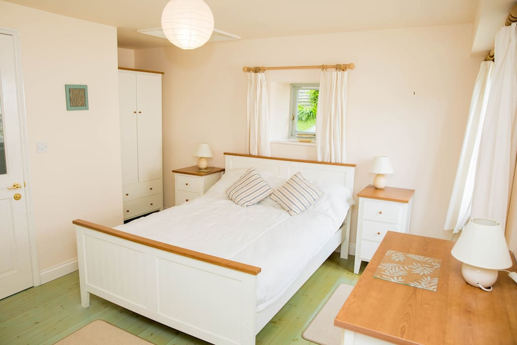 Double Bedroom with Single plus ensuite