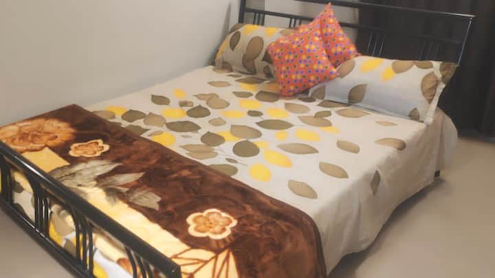 Bed & Breakfast@HomeStay Kolkata!